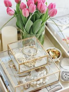 jewellery-stand