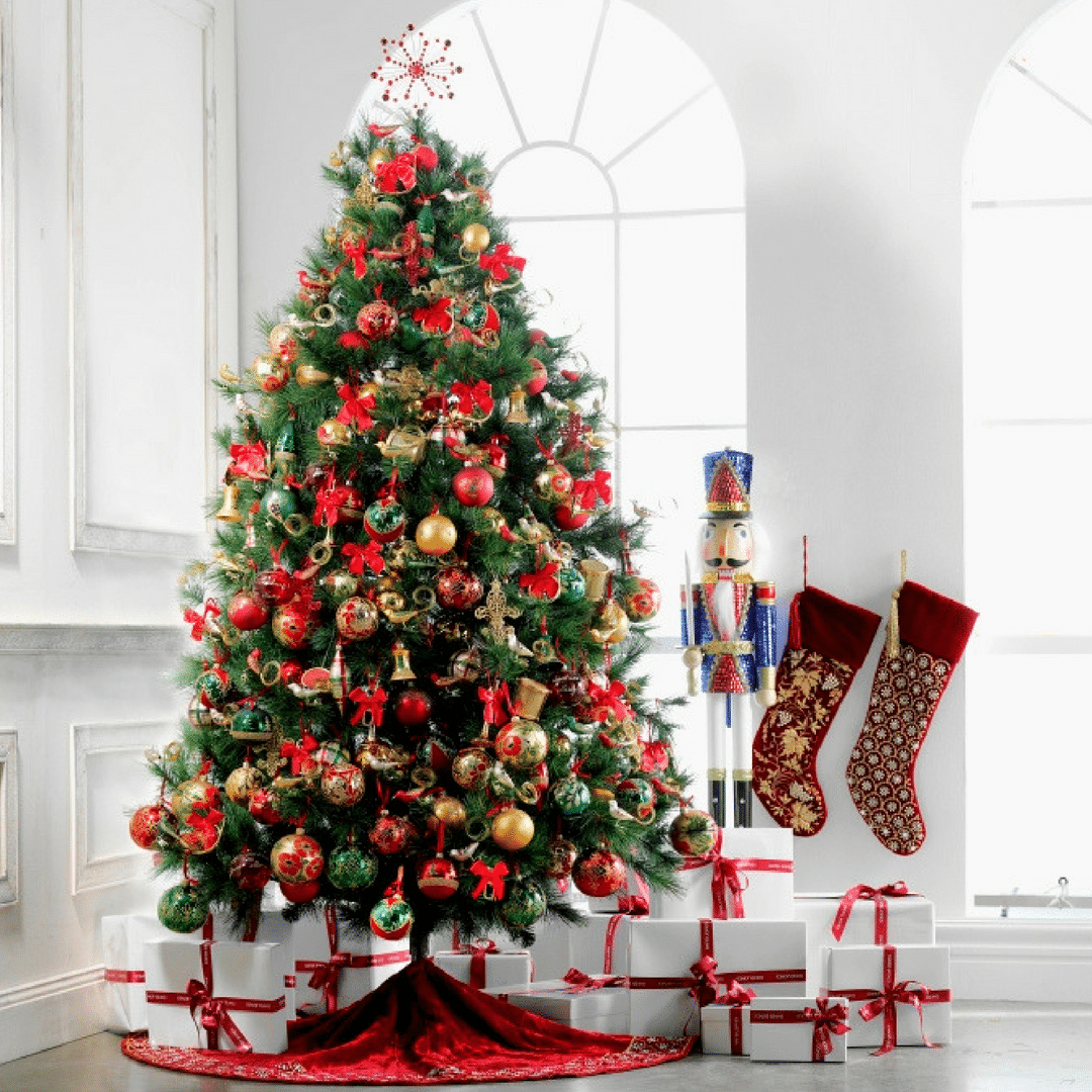 How To Decorate A Stylish Christmas Tree